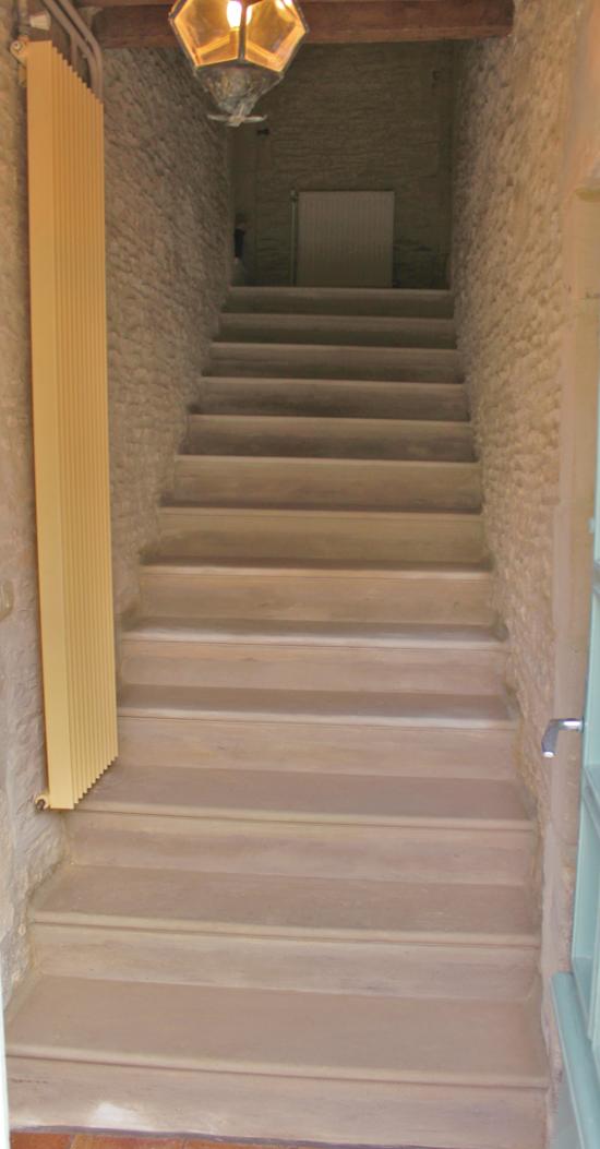 escalier après travaux de restauration